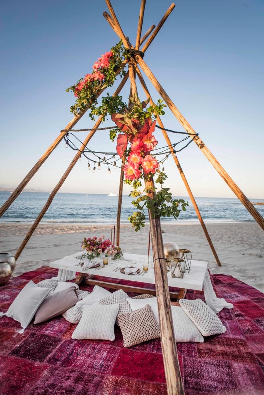 beach wedding - Google Search   Romantic beach picnic ...