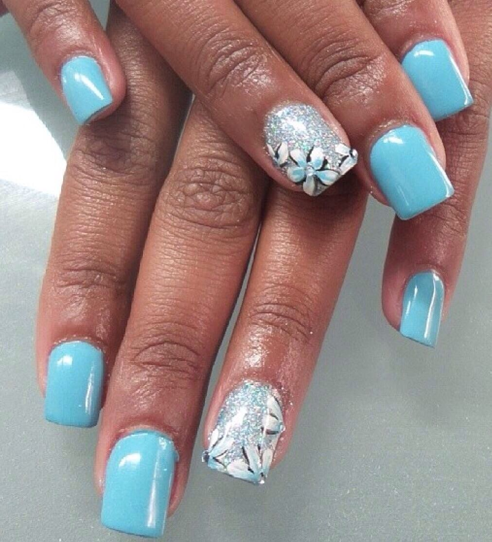 I like the accent nail