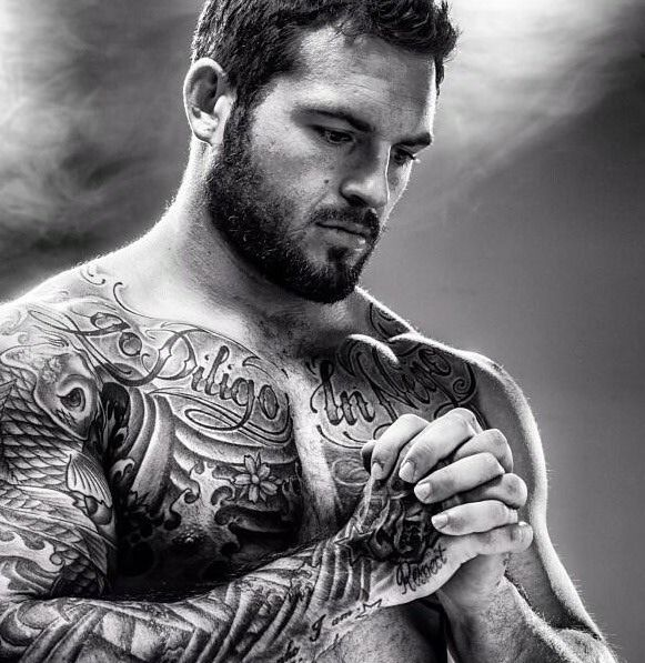 Hot muscle man with beard tons of tattoos ink tattoo for Naked men tattoo