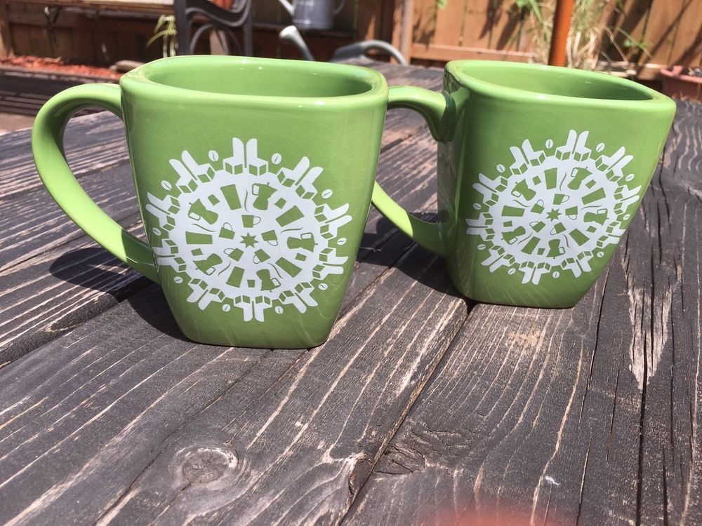 2004 Starbucks Coffee Set Of Two Green Cups 12 Ounce