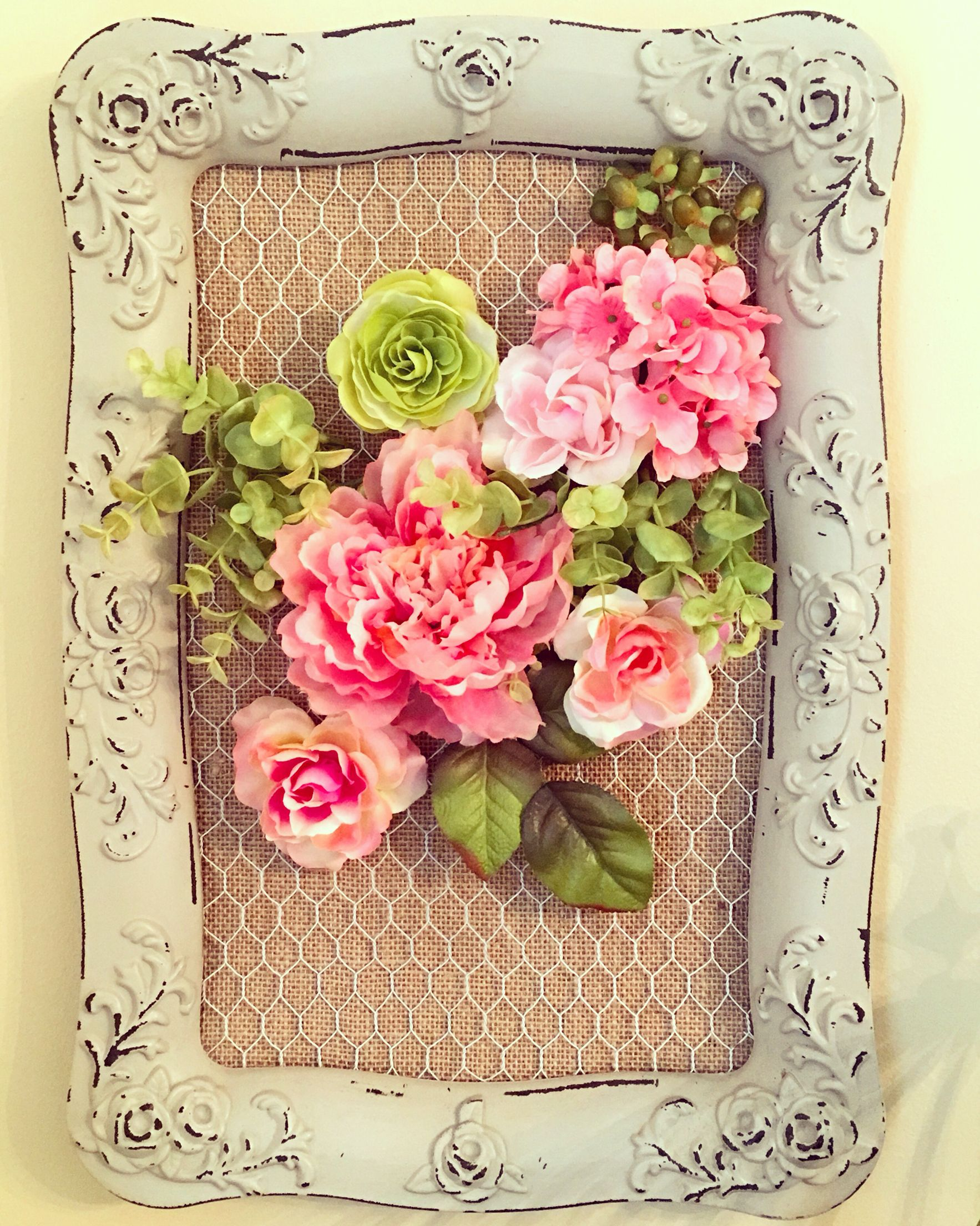 Create your own flower bouquet in this chicken wire frame create your own flower bouquet in this chicken wire frame more jeuxipadfo Choice Image