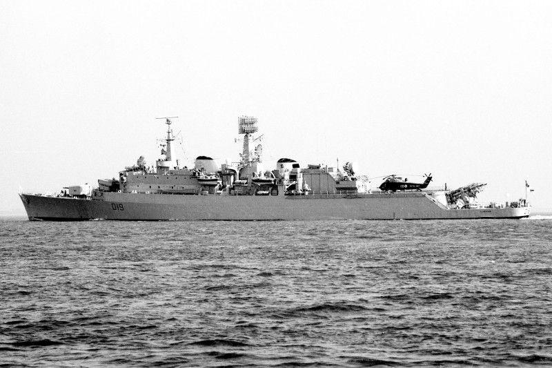 Hms Glamorgan D19 Royal Navy Ships Navy Day Royal Navy