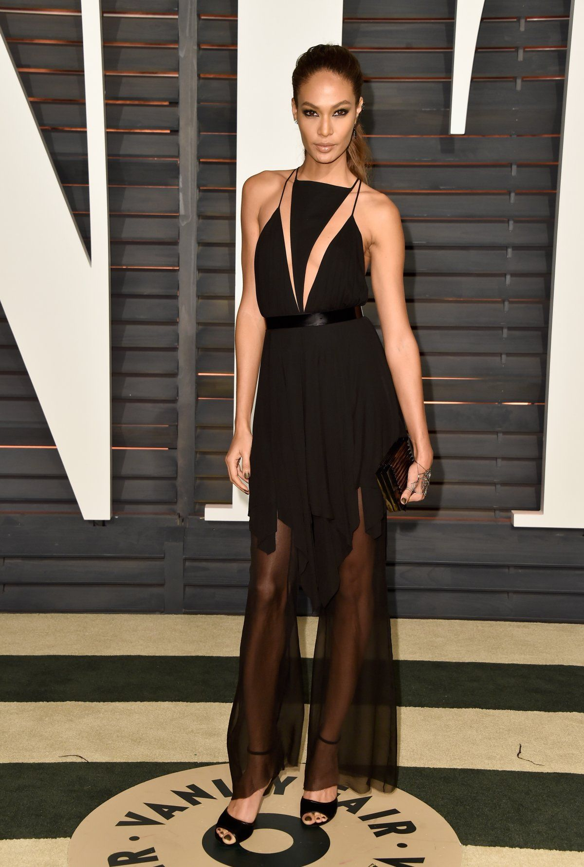 Models From Sports Illustrated And Victoria S Secret Dominated The Vanity Fair Oscars Party Nice Dresses Vanity Fair Oscar Party Joan Smalls [ 1781 x 1200 Pixel ]