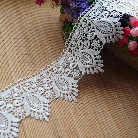 Beautiful white Venise  Lace Trim  1  inch wide selling by the yard
