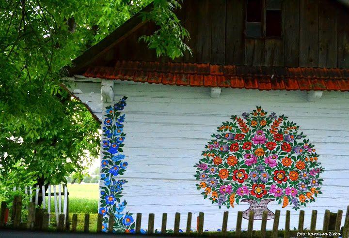 Zalipie Malowana Wies Klub Podroznikow Srodziemie Outdoor Decor Decor Wind Chimes