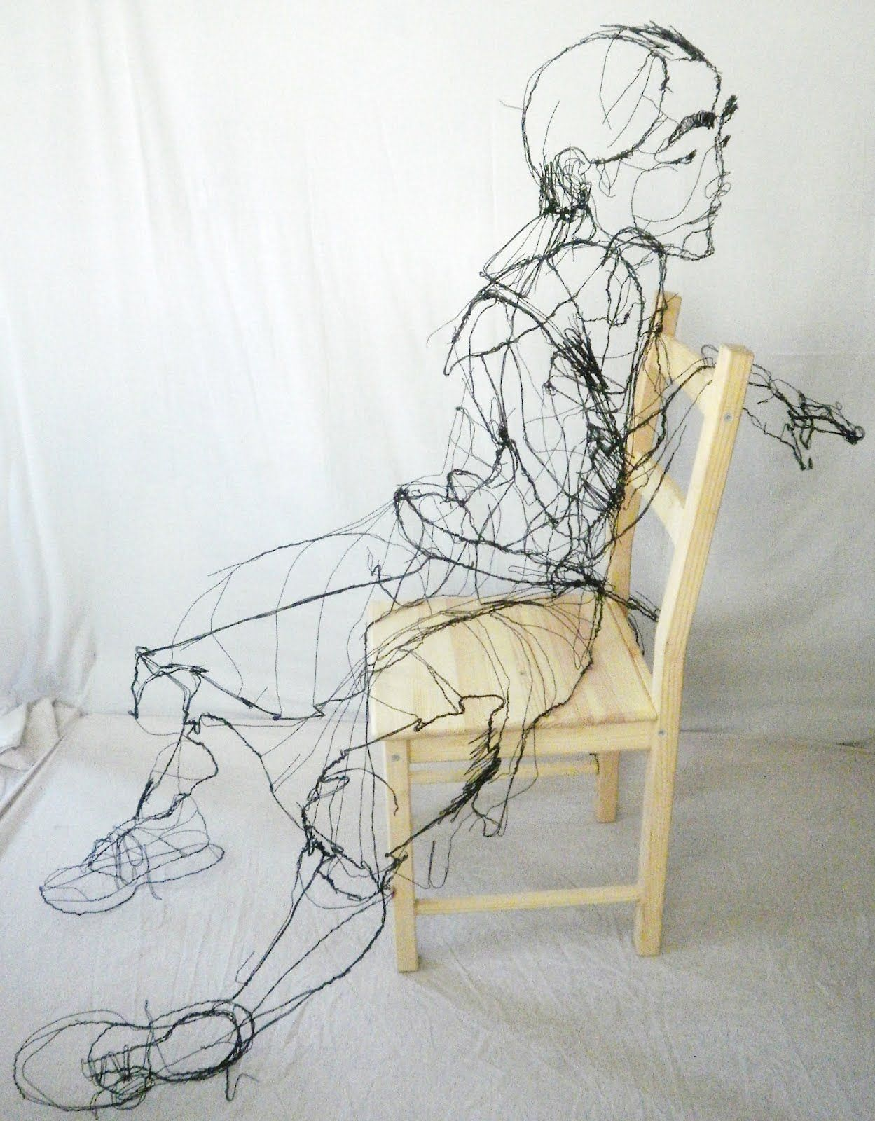 David Oliveira - Wire Sculptures That Look Like Sketches http ...