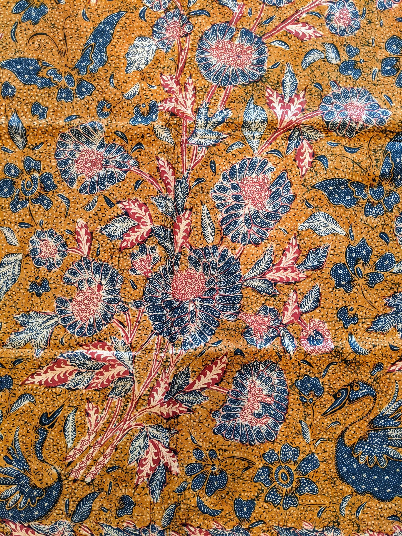 1930s INDONESIAN ANTIQUE BATIK Tjoa Tjoen Kiat Signature Vintage Fabric Hand Drawn Three Kingdom Batik Tulis Peranakan Tiga Negeri Peony