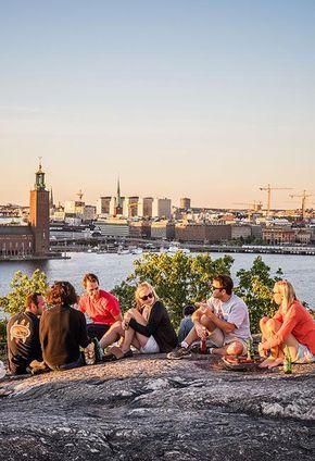 Sich einfach treiben lassen? Funktioniert in Schwedens Hauptstadt prächtig. Schließlich besteht sie zu einem Drittel aus Wasser. Eine saumselige Promenade zwischen Schäreninseln, Hipstervierteln und Altstadt