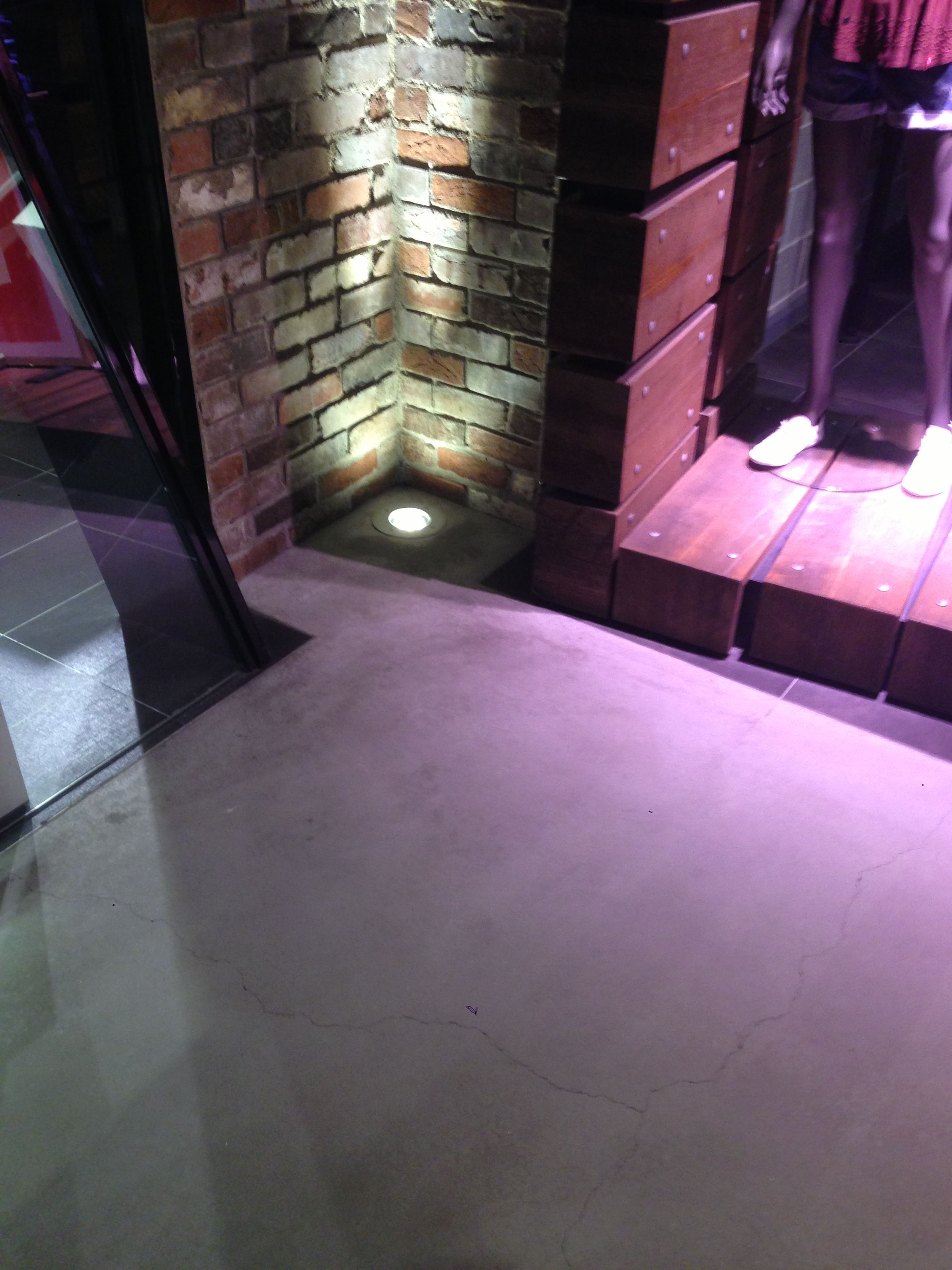 Concrete floor, uplight on bricks Concrete floors, Brick