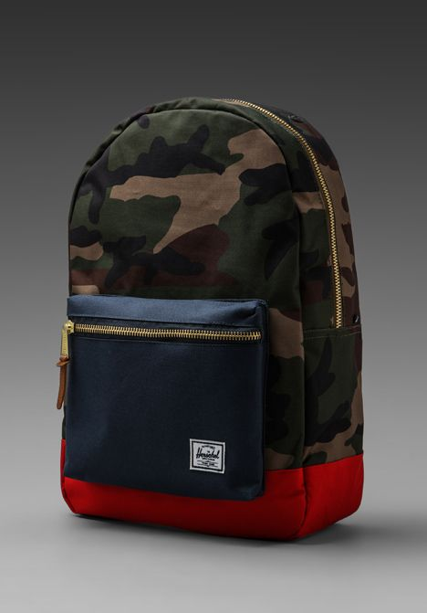 50713c9899bf HERSCHEL SUPPLY CO. Settlement Backpack in Woodland Camo Navy Red - New