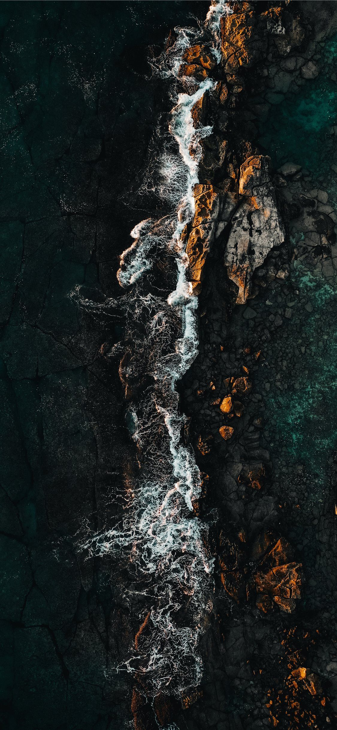 A drone shot from Oahu Hawaii iPhone X Wallpapers 8k