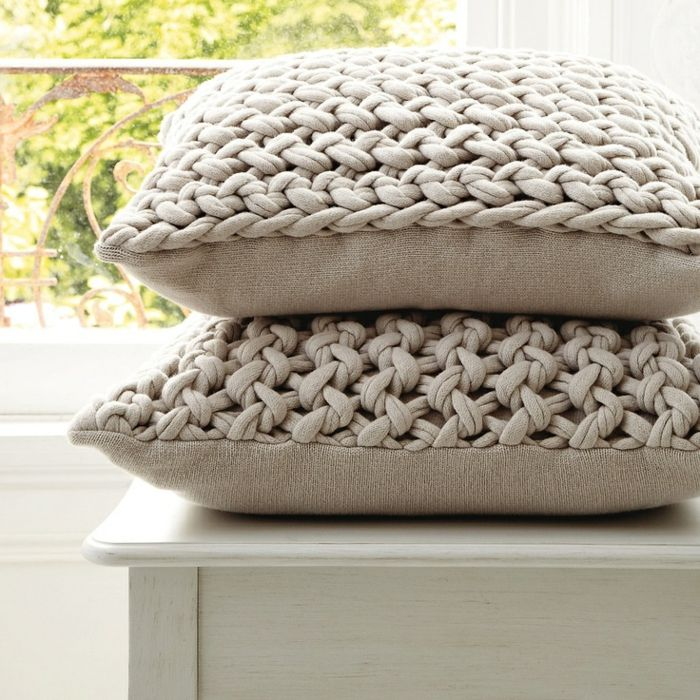 Moderne Kissenhüllen kissen stricken eine unikale diy idee knit pillow