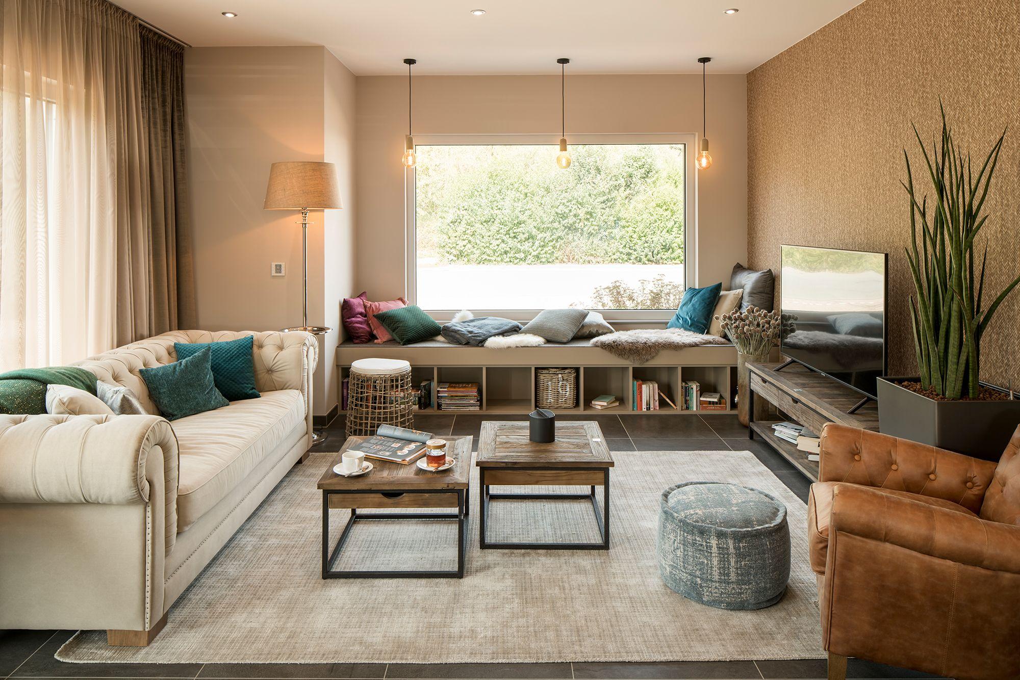 """Wohnideen - Wohnzimmer in Beigetönen mit """"Gemütlichkeitsfenster"""