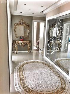 Bu İzmir Evinde Sadelik Klasik Dokunuşlarla Taçlanıyor