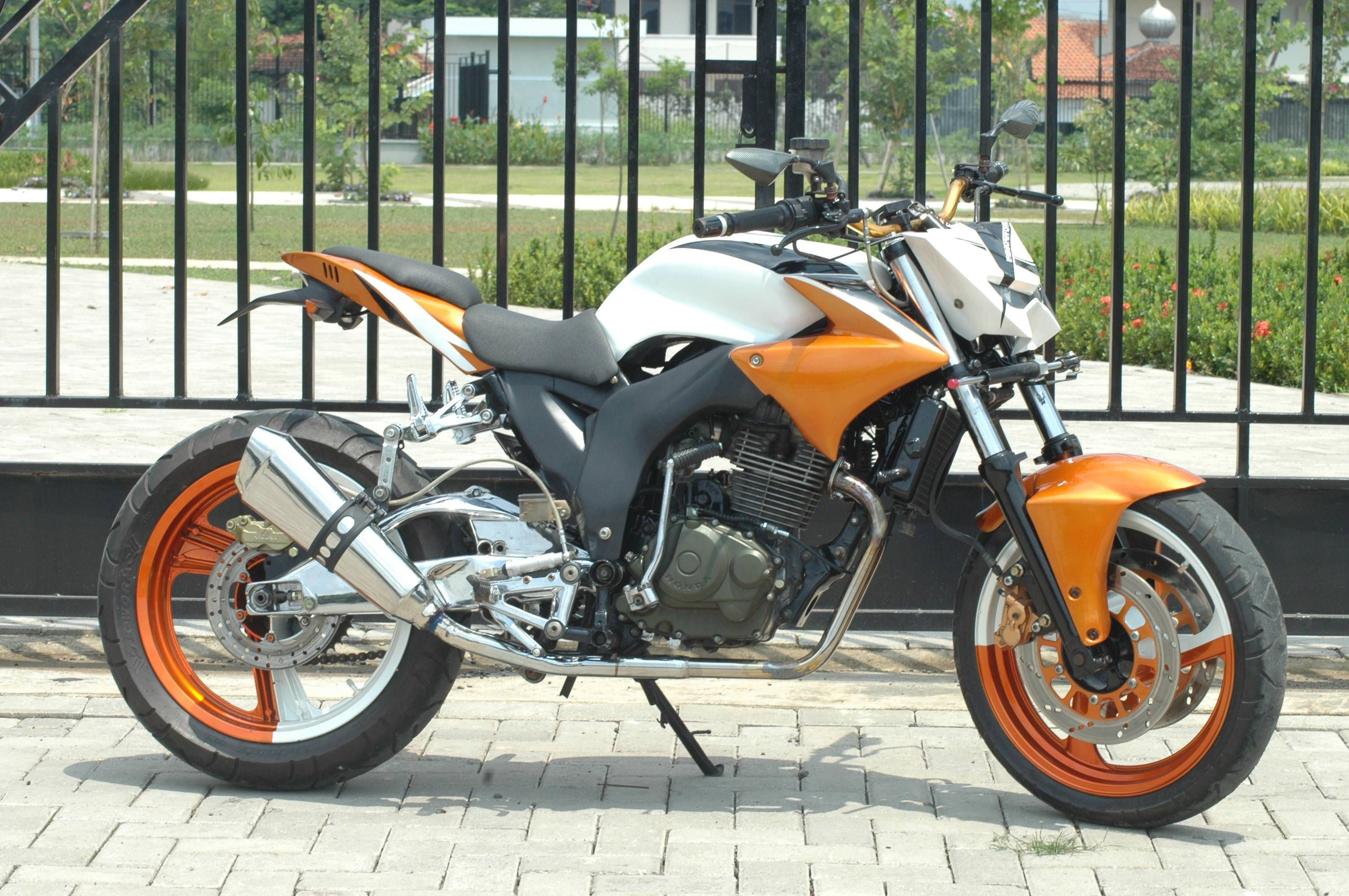 Honda Tiger Modif Streetfighter Metroseksual Modifikasi Motor
