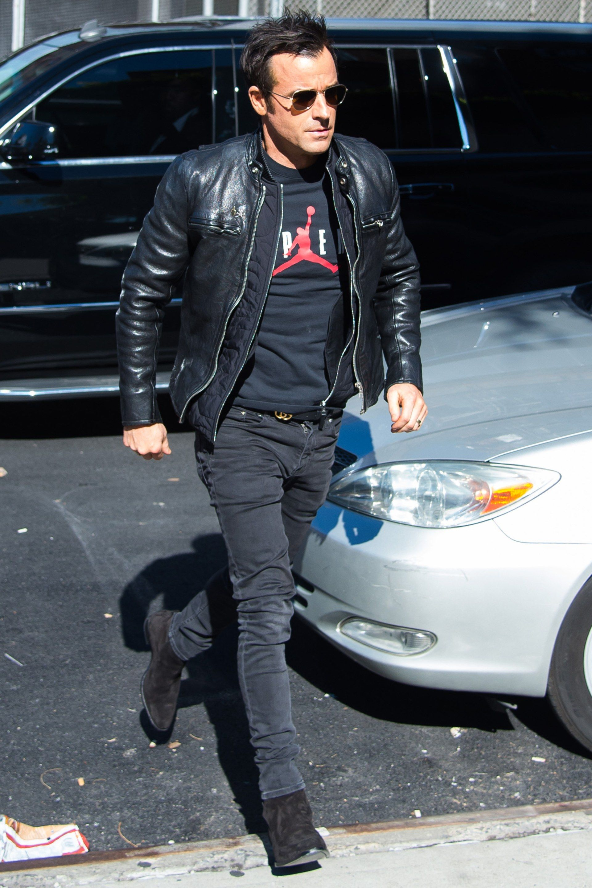 How to Wear A LOT of Black Like Justin Theroux  Justin theroux
