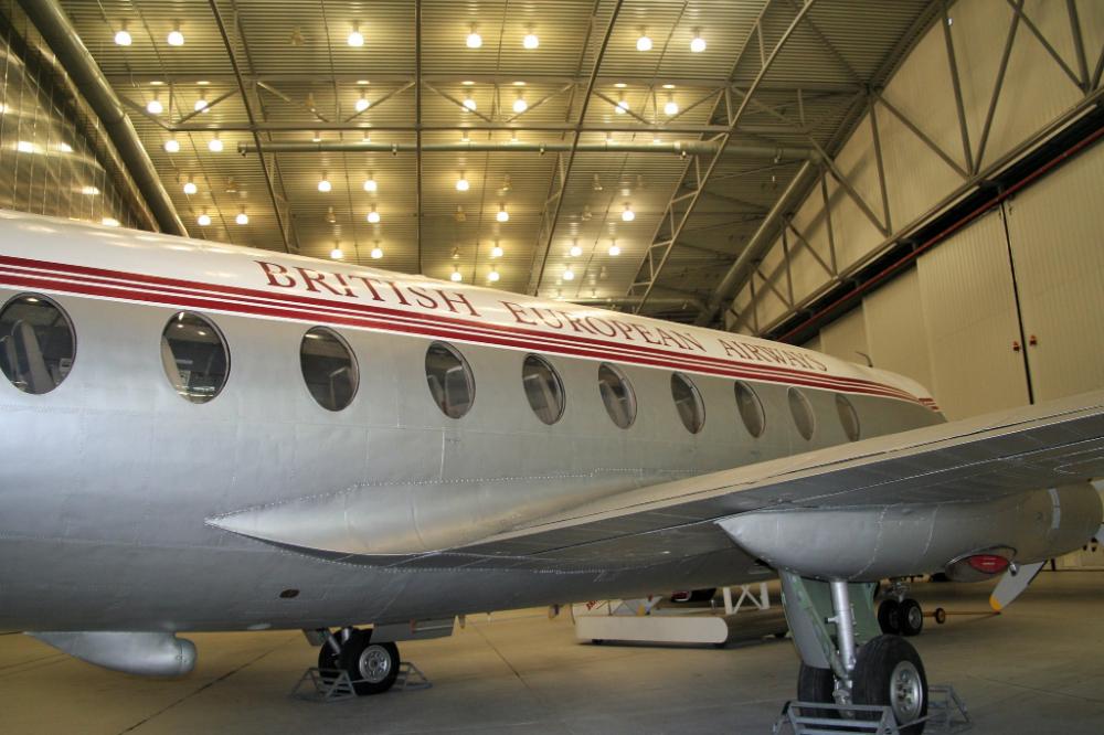 Viscount Vickers 701 De Havilland Comet Airplane Photography Flying Boat