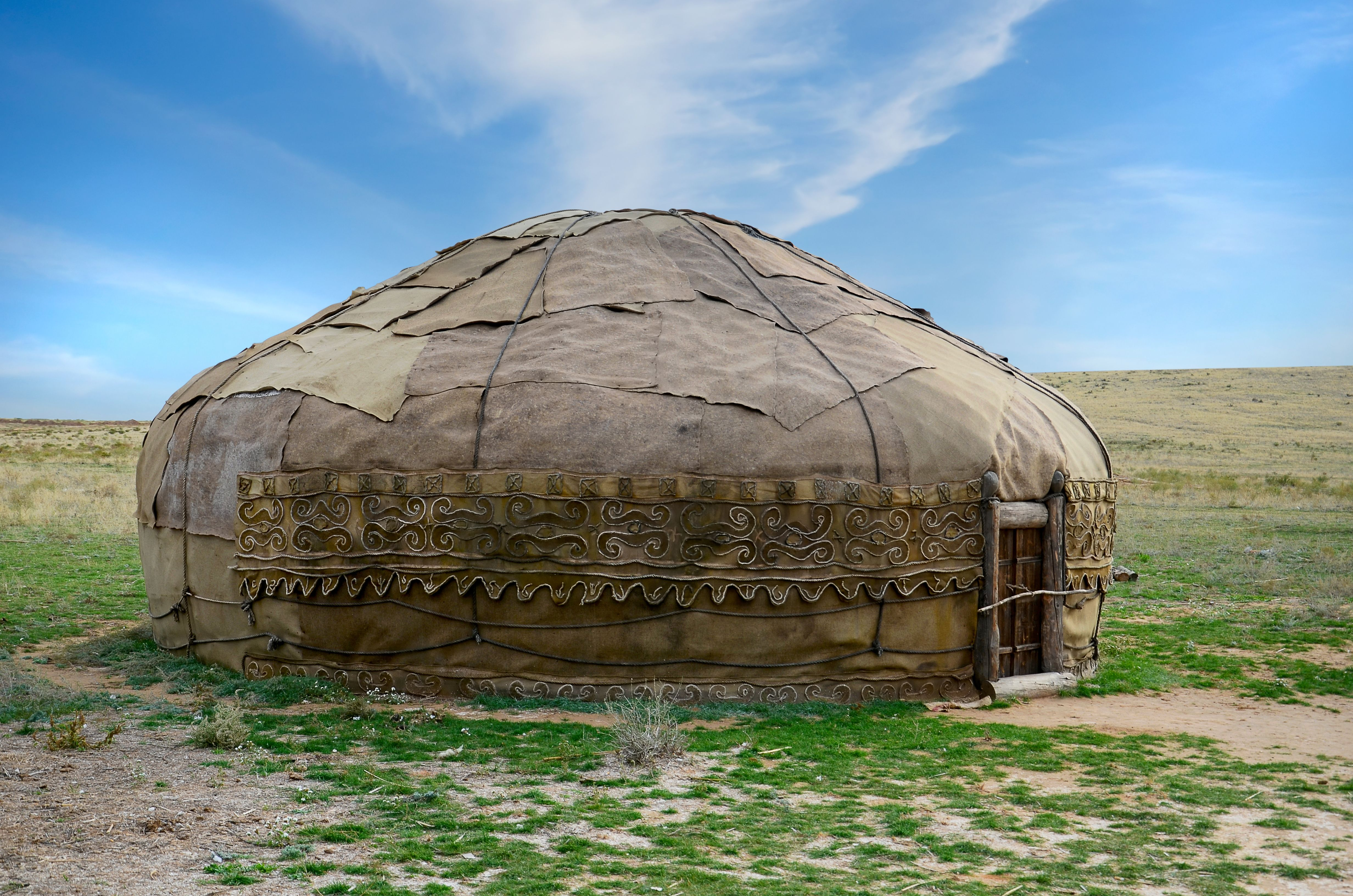 Building a yurt do it yourself yurts traditional and tiny houses building a yurt do it yourself solutioingenieria Images