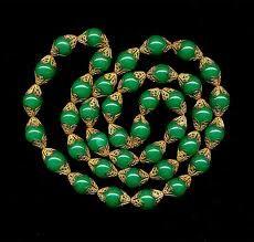 Gorgeous Art Deco Green Chrysoprase & Gilt Filigree Bead Art Deco Necklace. @designerwallace