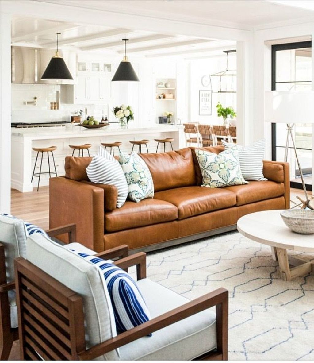 Awesome 48 Lovely Farmhouse Living Room With Leather Sofa