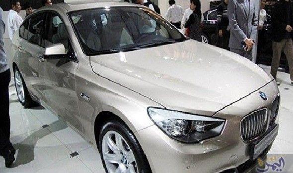 Bmw تحتجز لص ا داخل سيارة باستخدام تقنية التحكم عن بعد Car Bmw Remote