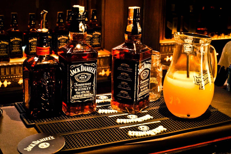 Jack Daniels and Orange Juice HD Widescreen Wallpapers