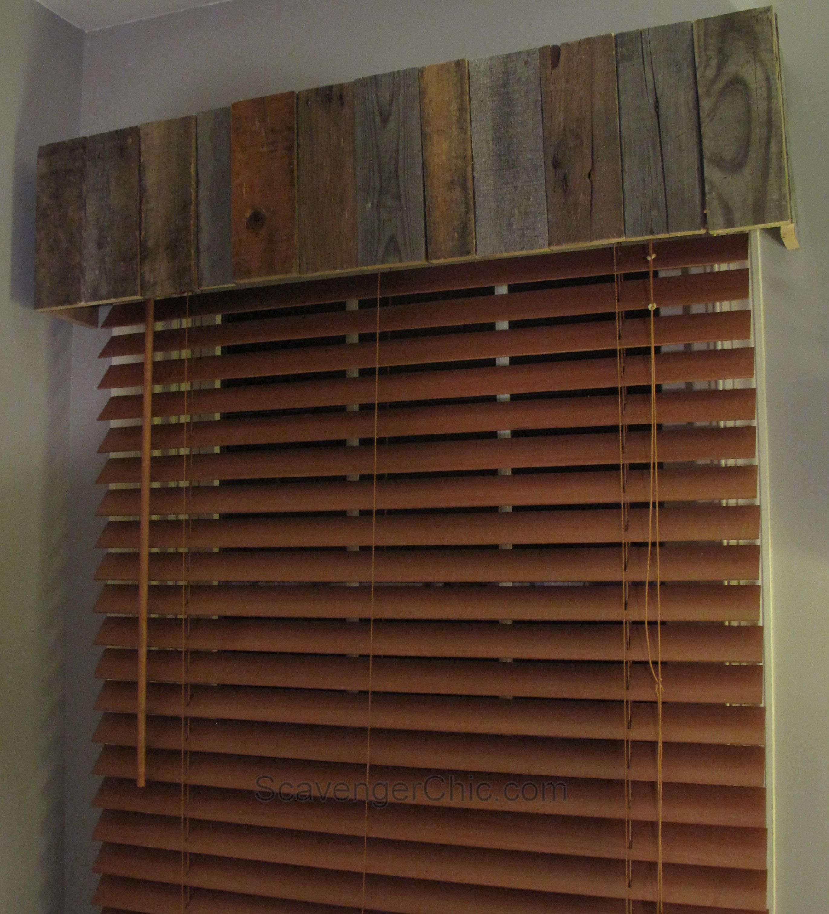 Bamboo Or Pallet Wood Valance Easy Diy Wood Valance Diy