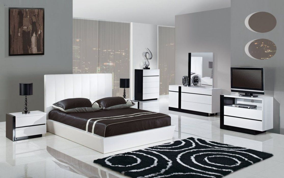 Chic And Modern Queen Bedroom Set Bedroom Ideas In 2020 Modern Bedroom Set White Bedroom Set Furniture Bedroom Sets