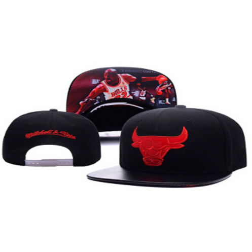 d43ef07ff84 Bulls Mitchell Ness Adjustable Snap Back Hat Black