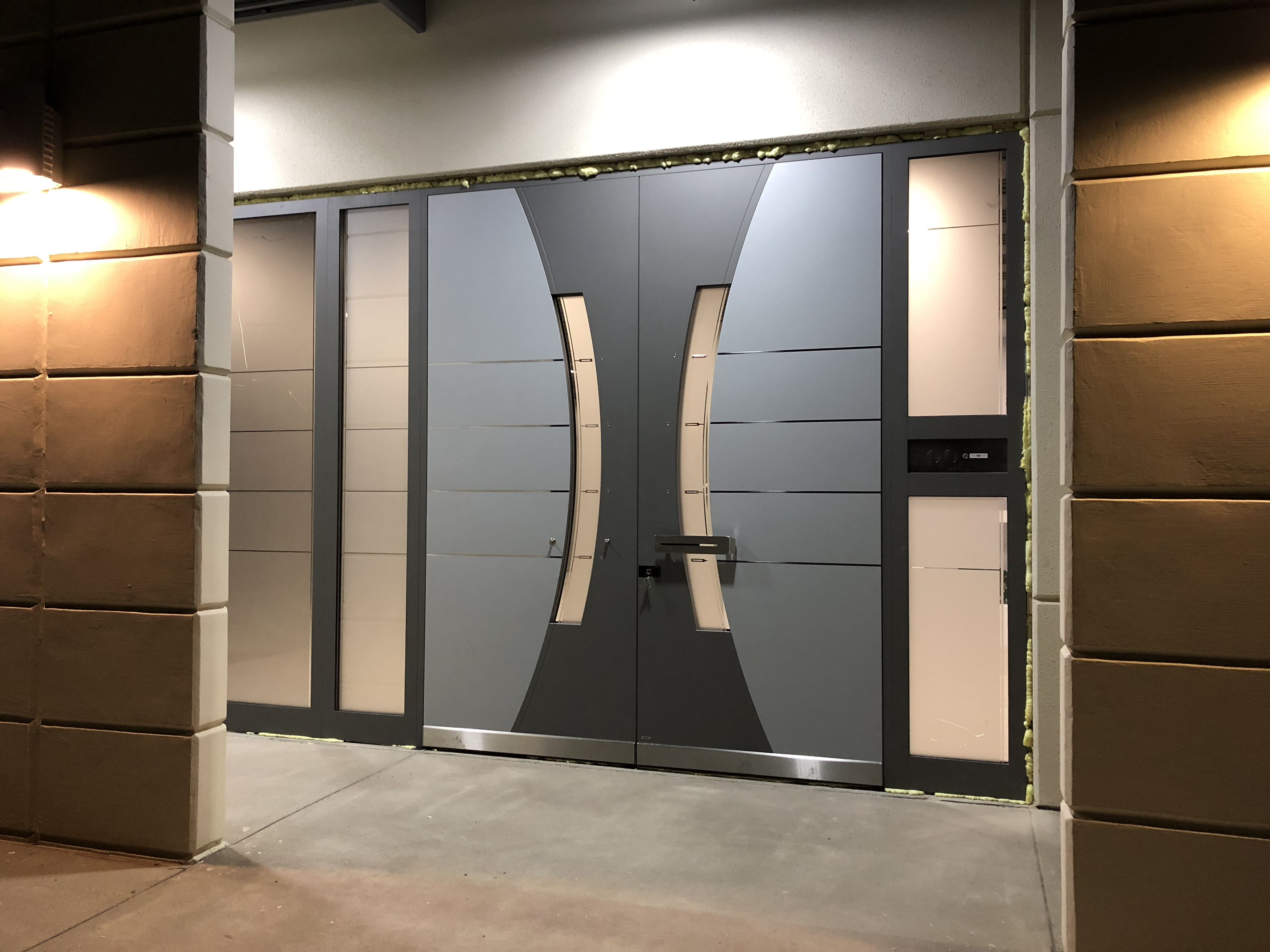 Pirnar In Texas 2 Model P0120 0120 Dimention 1235 Mm X 2990 Mm Side Light Left 580 M Exterior House Renovation Door Design Interior Modern Exterior Doors