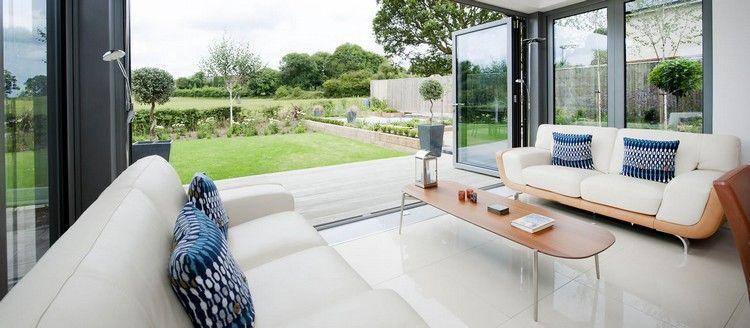 Möbel Wintergarten wintergarten mit moderner einrichtung und falttüren aus glas