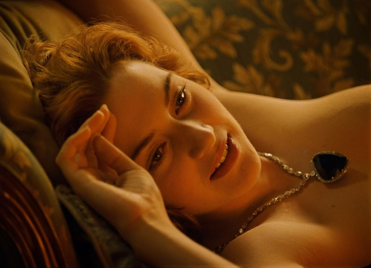 E winslett sex scene video, nude makeout