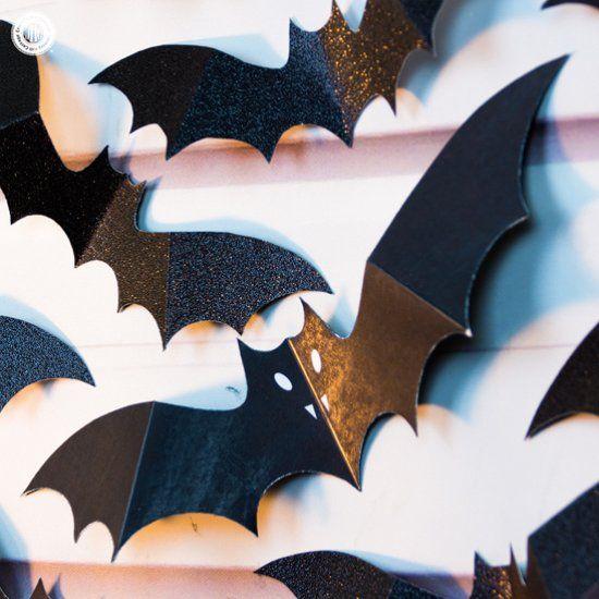 Swarm of paper bats DIY Halloween wall decoration | paper crafts ...