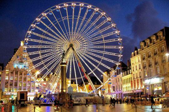 Illuminations De Noel Tour De France Des Plus Belles Villes Paysage France Lille Braderie De Lille