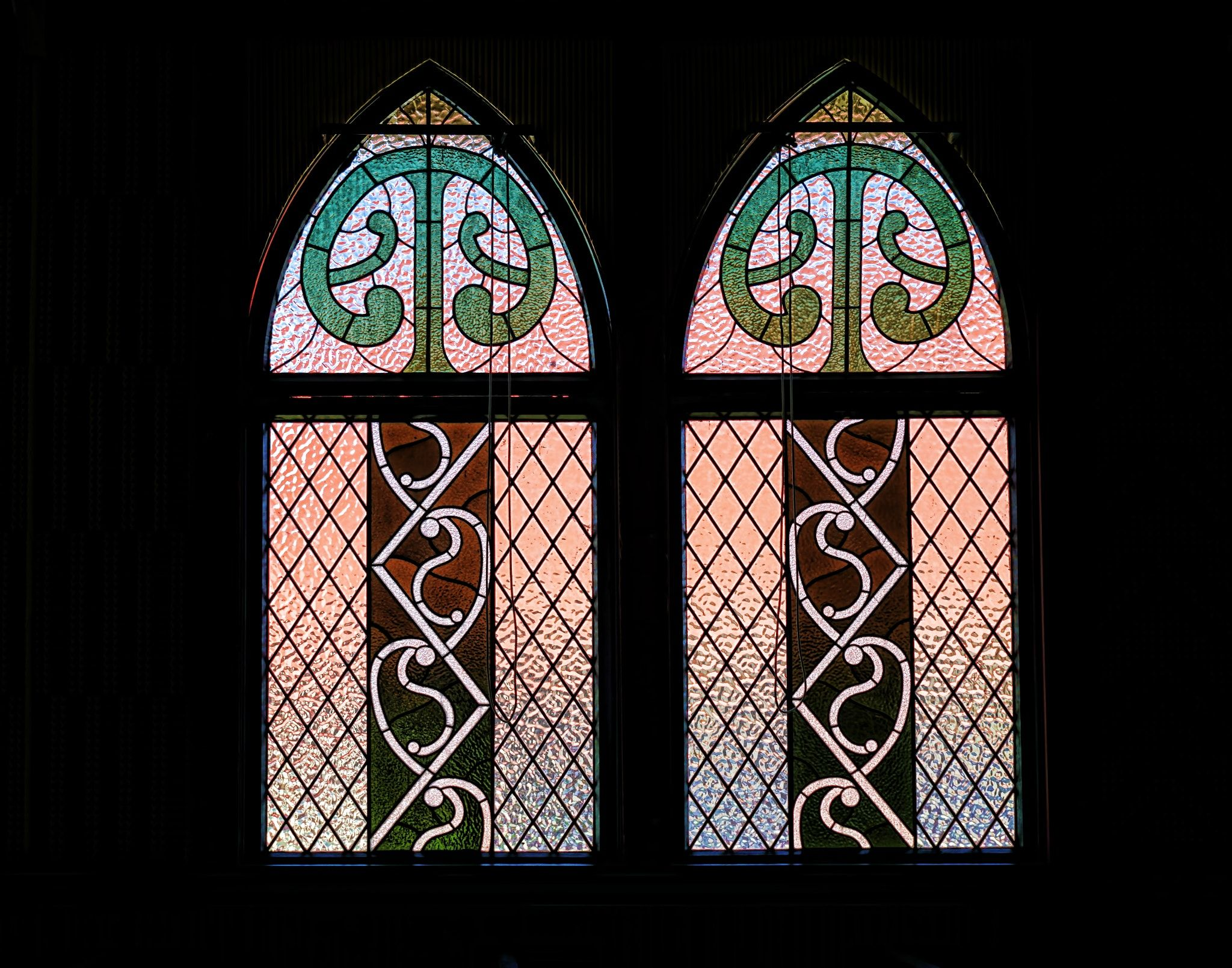 Franklin art glass studios inc clear cotswold glass 3 320 - Leadlight Widow St Faith S Anglican Church The Historic Timber Church In The Lakeside M Ori Village