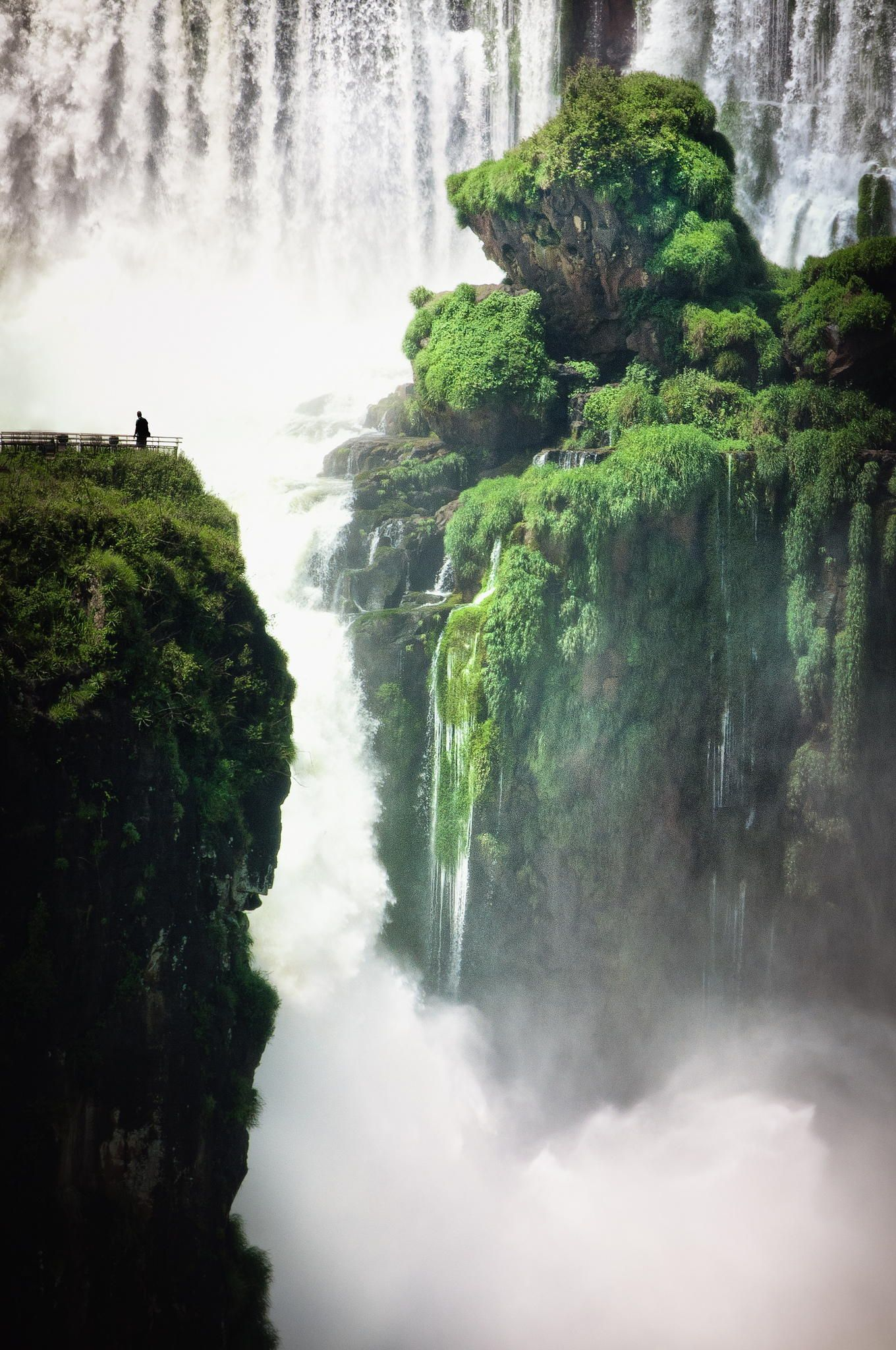 Iguazu Falls Iguassu Or Iguacu Are The Biggest Waterfalls In World Consist Of 275 Separate And Is Actually Bigger Than Niagara