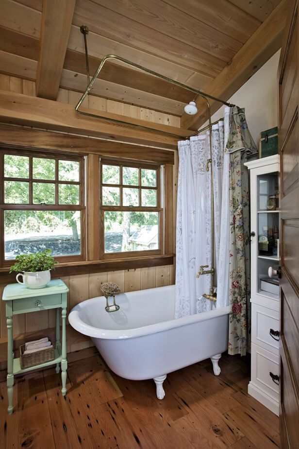 Claw foot tub | Rustic cabin bathroom, Small cabin ...