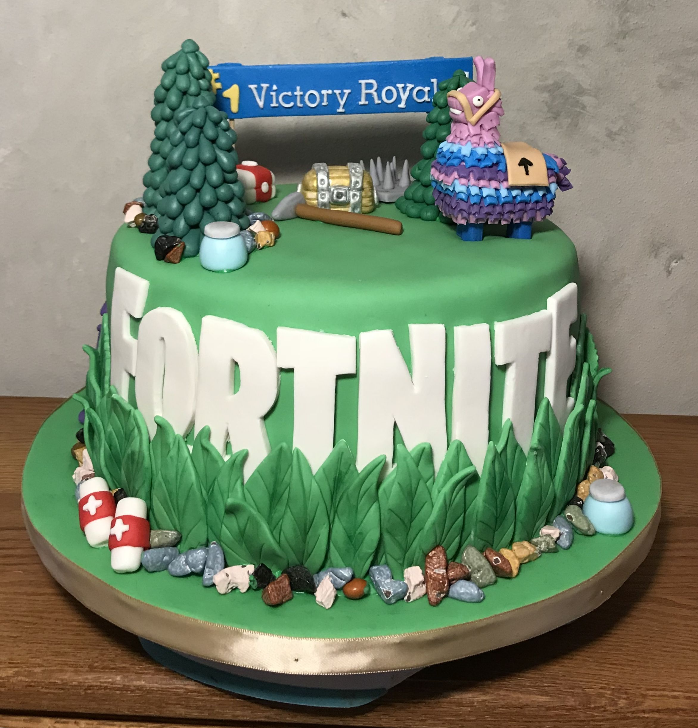 Fortnite Cake In 2019 10 Birthday Cake Cake Birthday Cake