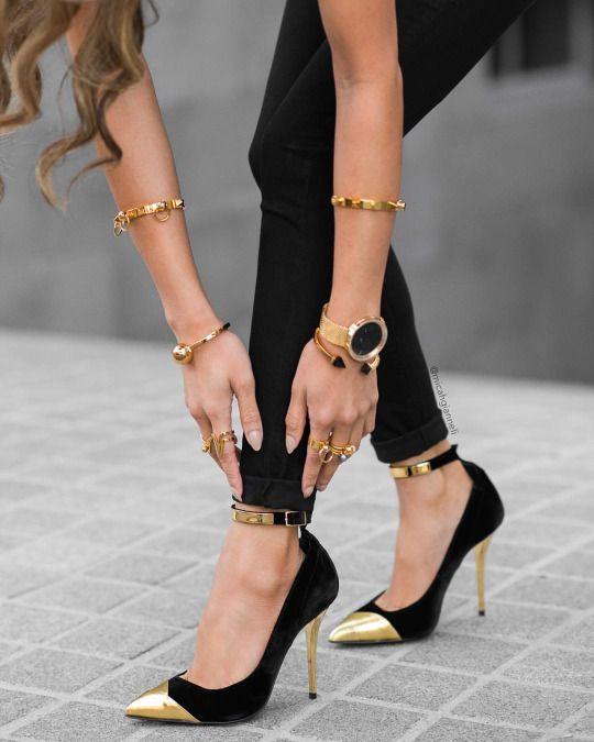 6c229f751828 Fortheloveofelegance Gold And Black Heels