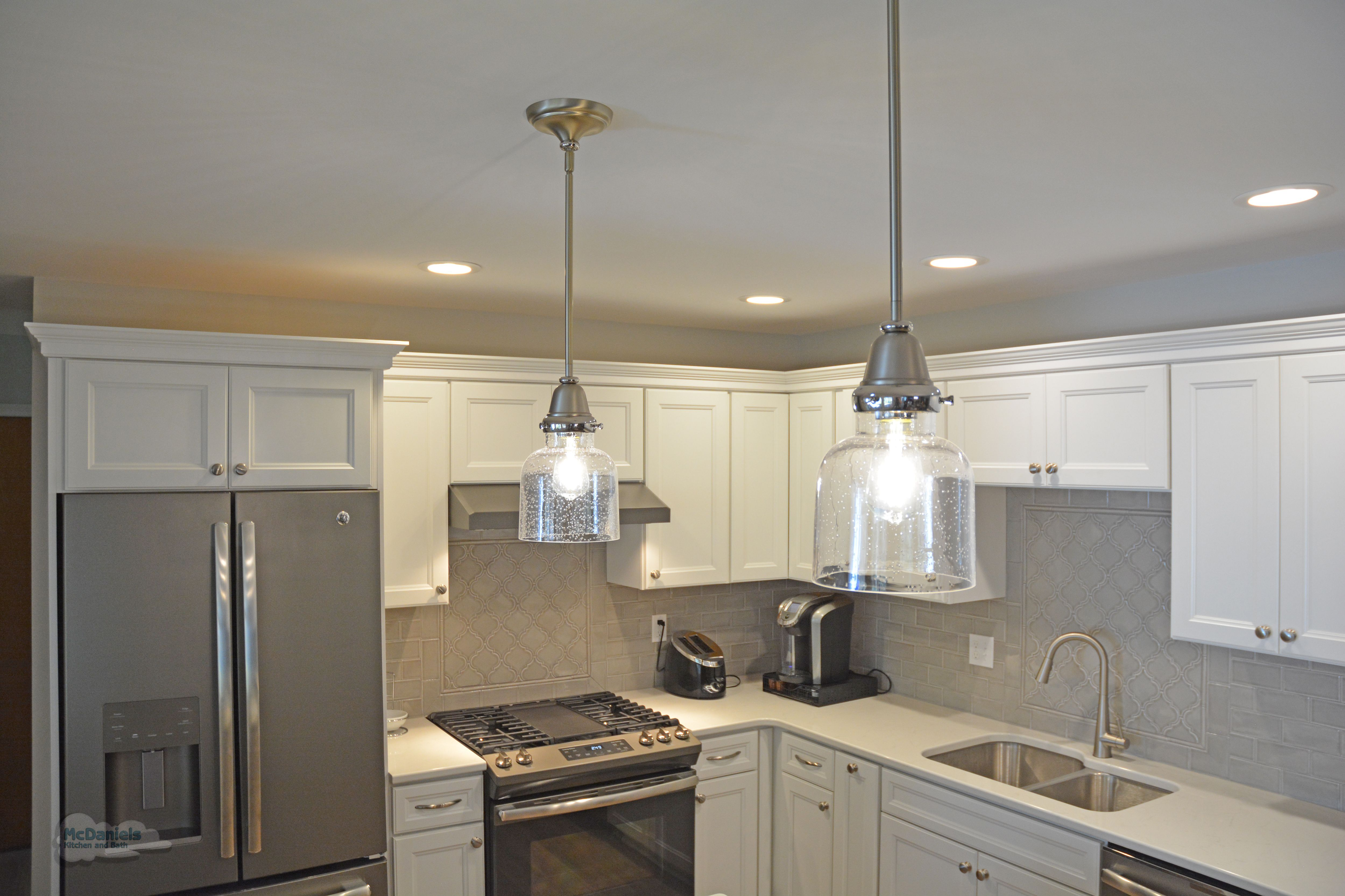 This Kitchen Design In Lansing Features Purestyle Laminate Cabinets From Aristokraft The Base Cabi Kitchen And Bath Remodeling Kitchen Design Bathroom Design