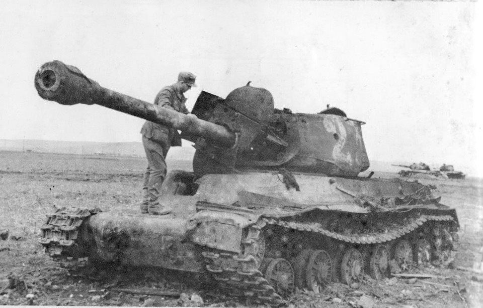 IS-2 destroyed by Panthers from Großdeutschland Division, during  counterattack in East Prussia, February 1945. | Tank, Tanks military,  History war