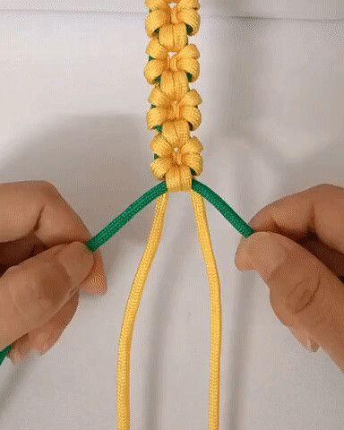 Красивое плетение для любителей творить своими рук