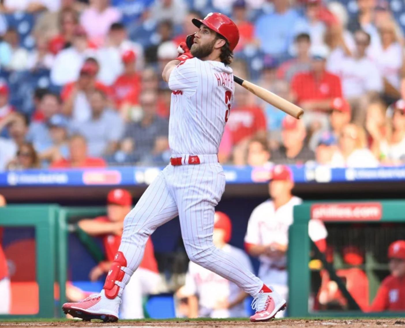 Harper Helps Phils Split Series With Dodgers Dodgers Phillies Philadelphia Sports