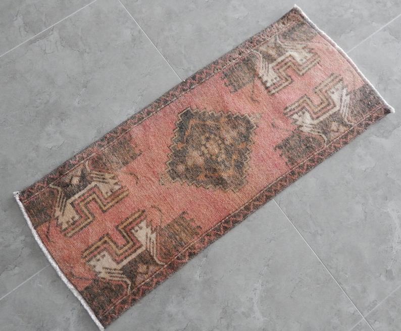 Flat Weave Pale Color Wool Carpet Sale Vintage Overdyed Small Miniature Low Pile Rug Handwoven Table Runner 17 X 41 43 X 103cm With Images Carpet Sale Wool Carpet Flat Weave