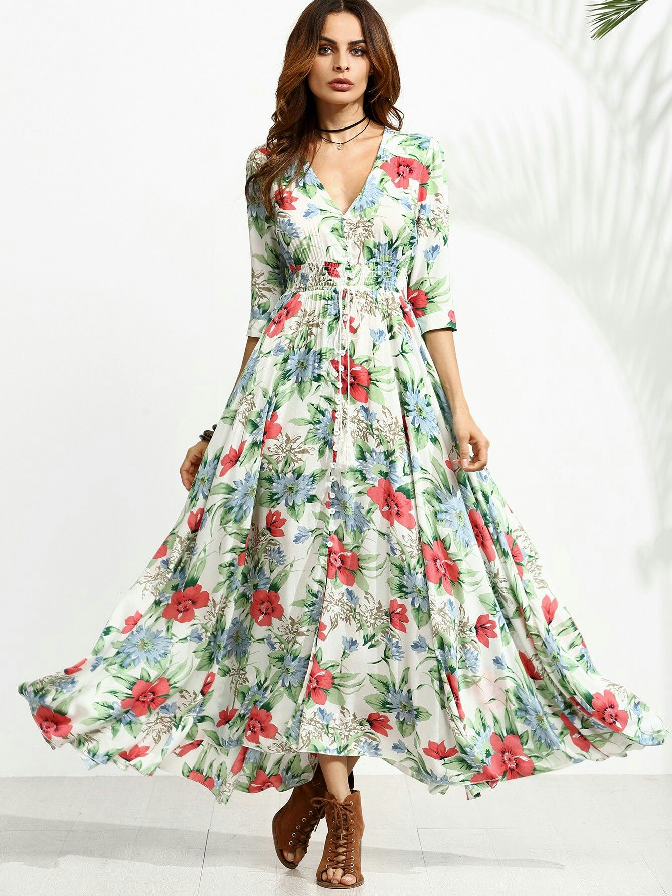 it's a stunning, girly dress. It is very flowly when you walk and is just beautiful.