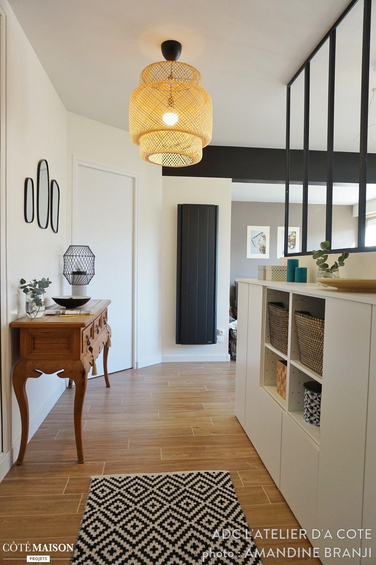 Nous avons r nov et surtout modernis cet appartement en ouvrant la cuisine sur le salon et en - Decoration entree appartement ...