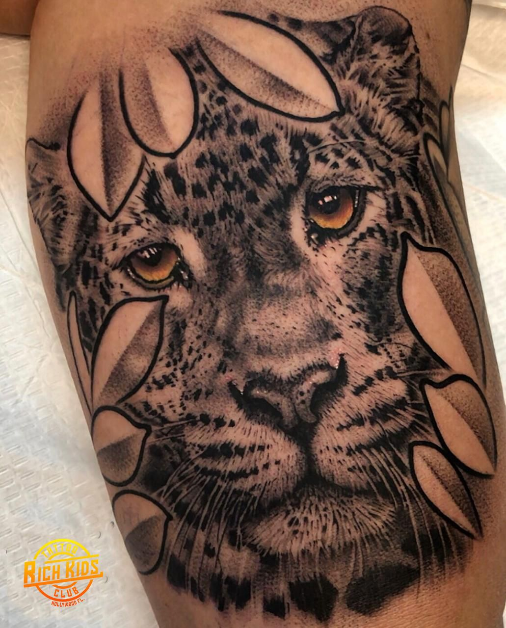 Realistic Single Needle Tiger Tattoo Black And Grey Tiger With Colored Eyes Tattoo Tigre Tattoo Tigertattoo In 2020 Tiger Tattoo Tattoos For Kids Animal Tattoo