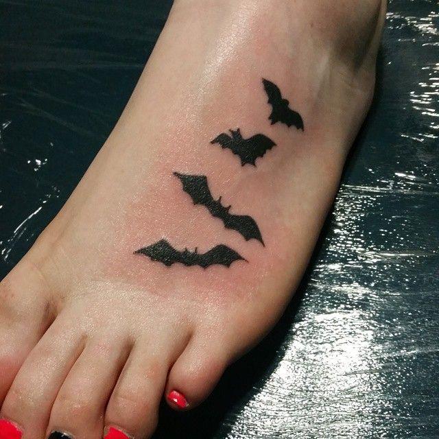 Come get your Halloween tattoos. #clovisink #clovisinktattoo #battattoo #halloweentattoo