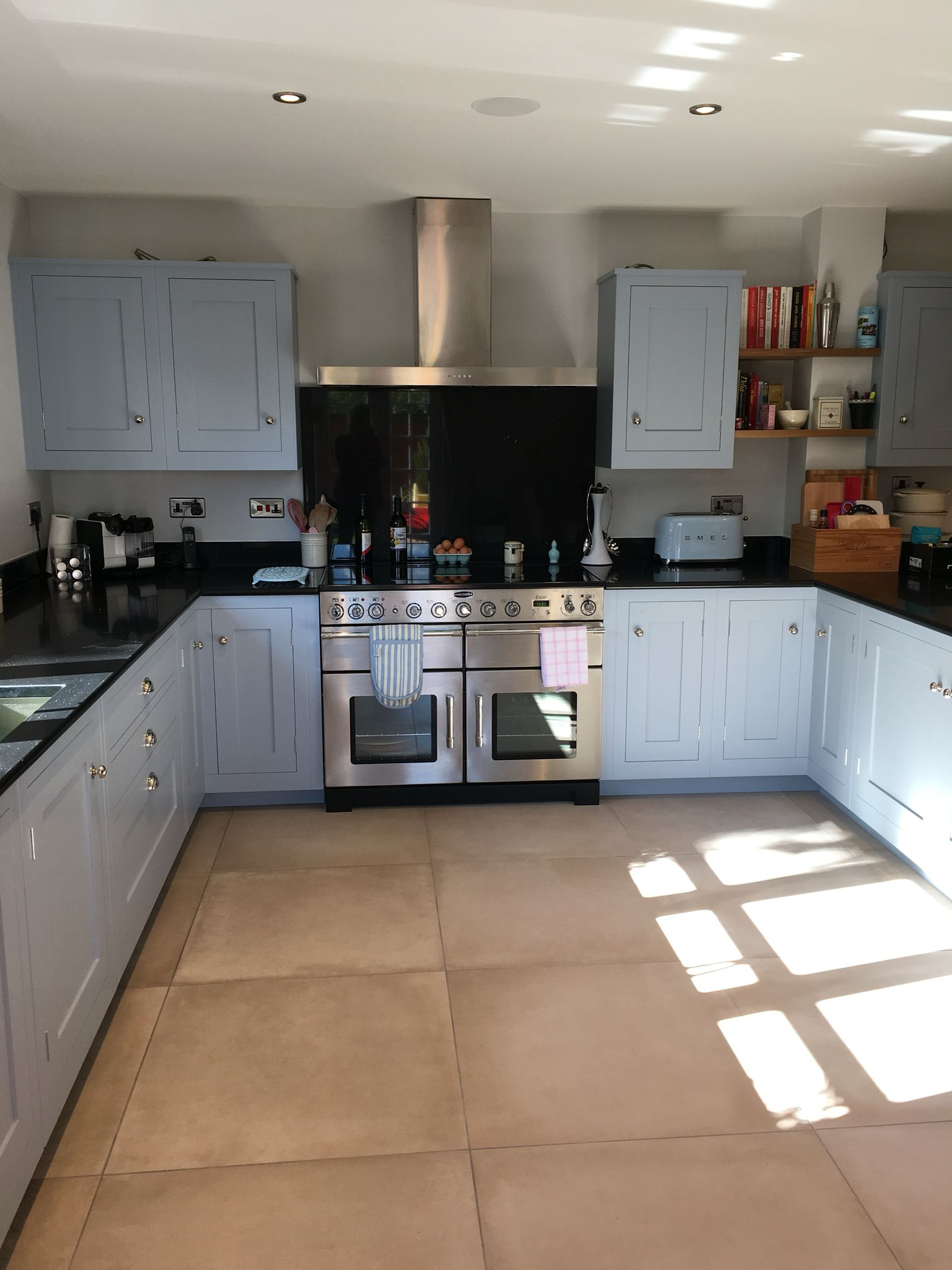 harvey jones shaker kitchen painted in farrow and ball parma grey
