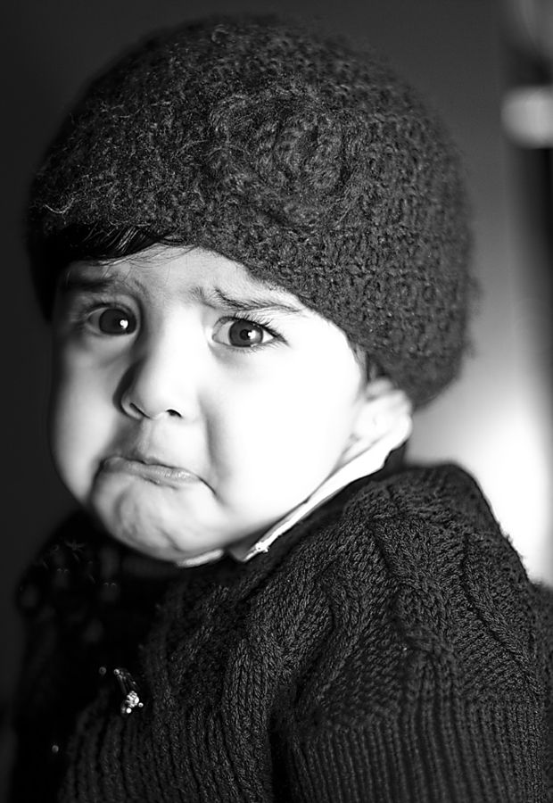 rola by abdullah alshehri little girl sad about to cry